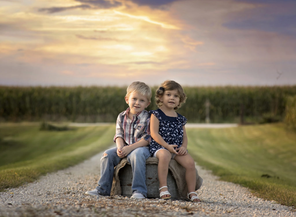 kathy rogers photography, lorain county photographer, newborn photographer, senior photographer, family photographer, maternity photographer, child photographer, children, little girl, little boy, siblings, brother, sister, children, field, corn, farm, bucket, burlap
